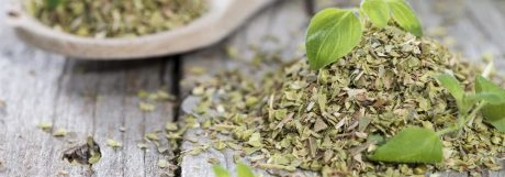 wooden-spoon-with-shredded-oregano